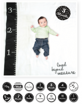 Lulujo Swaddle&Cards Baby's First Year   Lulujo Swaddle&Cards   Loved beyond Measure